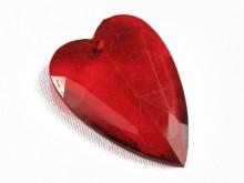 Corazón acrílico facetado rojo x 527 gr