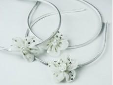 Vincha con flor de tul c/ lentejuelas y flor nacar