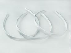 Vincha plástica forrada en raso blanco 1.5 cm